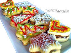 Fursecuri decorate de Craciun (umplute cu crema) Waffles, Biscuits, Cookies, Breakfast, Desserts, Winter, Sweet Treats, Rome, Morning Coffee