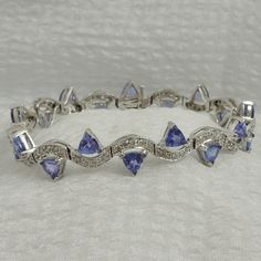 Tanzanite and Diamond Bracelet in 14k White Gold. 9 Carats Total Tanzanite Weight.