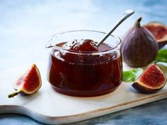 fig jam in a jar - stock photo Fig Recipes, Crepe Recipes, Waffle Recipes, Burger Recipes, Italian Dishes, Italian Recipes, Italian Wine, Mulberry Jam, Cypriot Food