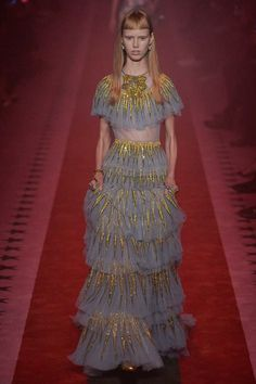 See the complete Gucci Spring 2017 Ready-to-Wear collection.