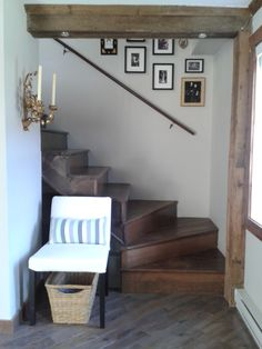 Gallery wall in staircase. My century-old cottage. Old Cottage, Entryway Bench, Gallery Wall, Furniture, Home Decor, Bonheur, Home, Entry Bench, Hall Bench
