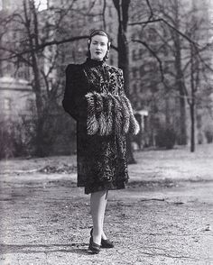 Breathtaking lady.  Edie Beale in Central Park, New York, 1945.