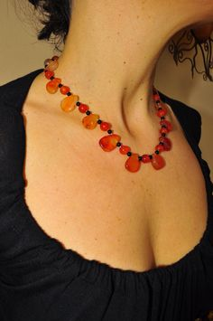 Carnelian  and onix necklace from energizing power, for a strong and determined women. di Oxidex su Etsy Euro35