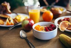 Alimente interzise la micul dejun - TOP 5. Ce trebuie sa eviti dimineata Healthy Dinner Recipes, Diet Recipes, Healthy Snacks, Breakfast Recipes, Healthy Fruits, Breakfast Ideas, Healthy Cereal, Breakfast Club, Nutritious Meals