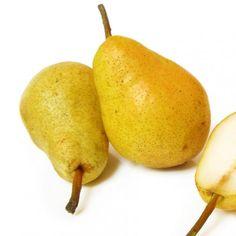 Cómo hacer pera en almíbar. El principal uso de la fruta es gastronómico, se emplea frecuentemente como fruta de postre o como producto de elaboración de alimentos. Una de las mejores formas de conservar la pera para usarla como...