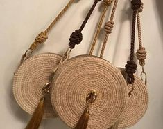 UniColor Wayuu Mochila Bags with Colors ,and 1 Free PomPom and Wayuu Braclets as a gift,Choose the STRAP you Like Crochet Handbags, Crochet Purses, Sisal, Beautiful Handbags, Basket Bag, Blue Bags, Bag Making, Straw Bag, Real Wood