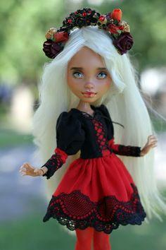 OOAK Monster High Puppe Lesen Sie die Beschreibung | Etsy Monster High, Howleen Wolf, Creepy Baby Dolls, Amanda, Wigs, Beautiful, Disney Princess, Trending Outfits, Etsy