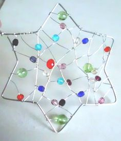 Make glittering stars- Glitzernde Sterne basteln Crafts stars for the Christmas season - Fun Crafts For Kids, Christmas Crafts For Kids, Diy Christmas Ornaments, Diy For Kids, Diy And Crafts, Ornament Crafts, Wire Crafts, Diy Presents, Hanging Wall Art