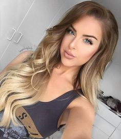 "Honey Spice Ombre @♡Imogen♡ wears #FoxyLocks Superior 22"" Seamless Clip ins"
