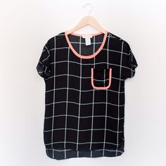 Crinkle Checker Top 100% rayon. Also available in white/black. Tops