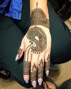 Take a look at some of the Trendy Bridal mehendi designs that you can apply on your hands for your Big Day…!     Please visit our websitewww.ezwed.into get Wedding Ideas or Send your queries via mail to support@ezwed.in. Kindly share our blog and feel free to leave …