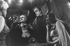 """The Munsters"" Beverly Owen, Al Lewis, Fred Gwynne, Yvonne De Carlo 1964 CBS"