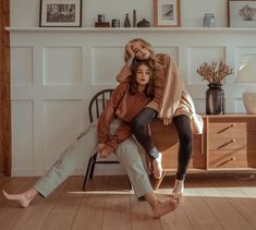 Best Friend Pictures, Friend Photos, Fashion Photography Poses, Girl Photography, Picture Poses, Photo Poses, Kreative Portraits, Mode Lookbook, Foto Casual