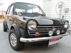 Turn Heads in this Spiffy Honda Kei Car - Carscoops Japanese Cars, Vintage Japanese, Classic Sports Cars, Classic Cars, Motogp Valentino Rossi, Kei Car, Drag Racing, Auto Racing, Honda Cars