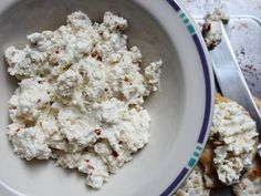 Lemon-Garlic Goat Cheese Dip Recipe Appetizer Dips, Appetizers For Party, Appetizer Recipes, Salad Recipes, Goat Cheese Recipes, Cheese Dips, Feta Dip, I Love Food, Food For Thought