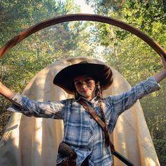 1 person hat tree and outdoor Judith Twd, Judith Grimes, Walking Dead Cast, The Walking Dead Tv, Rick Grimes, Ryan Hurst, Omari Hardwick, Ryan Guzman, Karl Urban