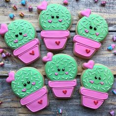32 Ideas Cookies Royal Icing Heart For 2019 Super Cookies, Cookies For Kids, Iced Cookies, Cupcake Cookies, Heart Cookies, Royal Icing Cookies Recipe, Decoration Cactus, Valentines Day Cookies, Cookie Designs