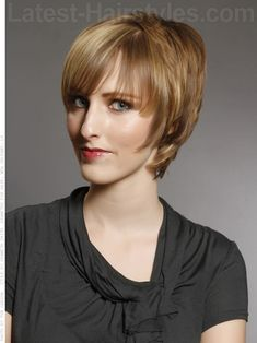 Shaggy Chic Layered Highlighted Hair with Bangs