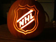 Halloween, the one time of the year where it's socially acceptable to pretend you're someone else. Finding a creative costume can be a tricky one, finding one that relates to hockey can… Pumpkin Carving Stencils Free, Pumkin Carving, Amazing Pumpkin Carving, Halloween Pumpkins, Halloween Crafts, Halloween Decorations, Halloween Ideas, Halloween Games, Holidays Halloween