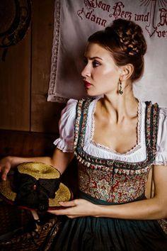 Deeply gorgeous bodice - Lena Hoschek Tradition - Herbst/Winter 2012. #dirndl #dress #German #Austrian #folk #traditional #costume #Oktoberfest #braid
