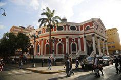 Teatro Municipal de Caracas foto @caracasarquitecturaehistoria