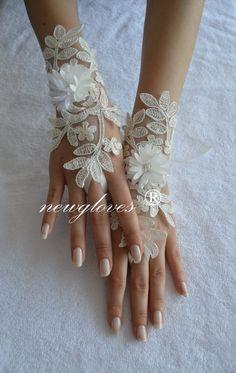 ivory silver wedding glove Bridal Glove ivory lace by UnionTouch Mitten Gloves, Mittens, Wedding Gloves, Lace Cuffs, Nude Sandals, Ivory Wedding, Dream Wedding Dresses, Fingerless Gloves