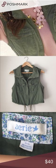 Aerie Olive Utility Cotton Vest Size Medium Gorgeous Olive Utility vest in 100% cotton by Aerie. Zip front. Drawstring waist. 2 chest pockets. (Model is wearing slightly different style). Size Medium. Excellent preowned condition. aerie Jackets & Coats Vests