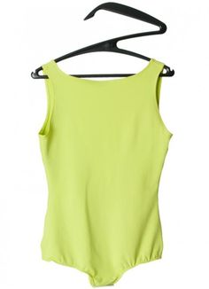 Brand: Carla Pontes Material: 100% Coolmax; Colour: Lime; Available Sizes: M ; Pit to Pit: 39cmBack Length: 60cm for additional measures or informations: scar-id@popmap.com Lime Top ----- About the shop: scar.id store is an independent design store, Porto based, worldwide oriented. We sell and communicate a selection of products from emerging creators and new brands from fashion, furniture, product and lighting design. The idea of creating a design store in Porto was a response of the…