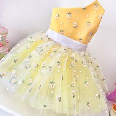 1 million+ Stunning Free Images to Use Anywhere Gowns For Girls, Little Girl Dresses, Girls Dresses, Flower Girl Dresses, Dress Anak, Kids Gown, Kids Frocks Design, Girl Dress Patterns, Frock Design