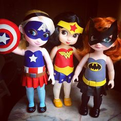 The inner geek in me LOVES LOVES LOVES these dolls!!