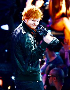 Ed Sheeran - VMAS 2013 I'm sooooo proud of him he deserves this