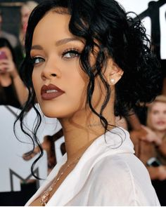 NEW STUNNING INSPIRATION - Rihanna via @fashionfrique #howtochic #outfit #fashionblogger #ootd