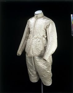 Doublet and breeches, 1630, V&A museum.