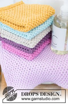 Clean & colourful / drops 198 - free knitting patterns from drops design Dishcloth Knitting Patterns, Knit Dishcloth, Lace Knitting, Knitting Stitches, Knitting Designs, Knit Patterns, Knitting Projects, Knitted Washcloths, Knitted Blankets