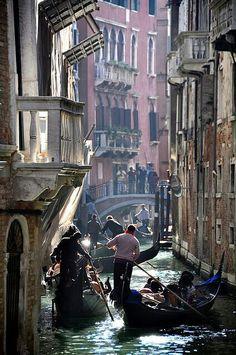 Traveling Venecia