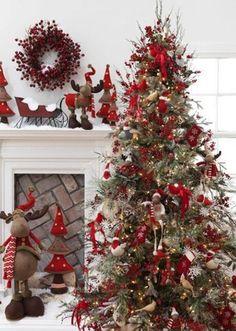 cela me fait pensée à la déco de la maison cette année nous sommes parti sur le noir et rouge c'est Beau !!! mais rouge et blanc c'est superbe aussi j'essaierai l'année prochaine