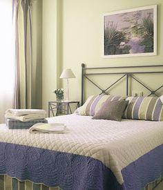 blanco, violeta, verdes