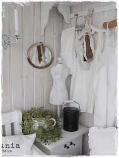 Bedroom Whitewashed Cottage chippy shabby chic French country rustic swedish decor idea. ***  Repinned from Sylvia Nienhuis ***.