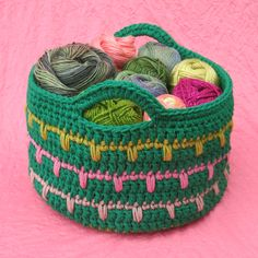 Free crochet basket pattern. Love this! From gleefulthings.com.