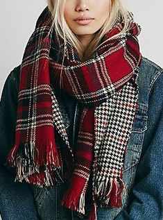 Red tartan and denim. Always a good mix. Looks Style, Looks Cool, Style Me, Fashion Mode, Look Fashion, Womens Fashion, Fashion Clothes, Fall Fashion, Fashion Trends