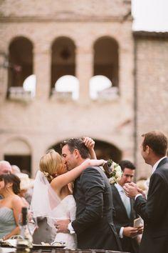 #CastellodiMontignano #Montignano #Love #Kiss #Wedding #Ceremony #Hamlet #Bouquet #Umbria