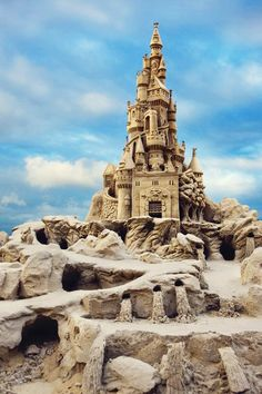 Wow! Someone is really good at sand castles 0_0