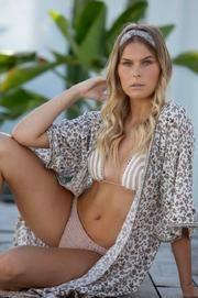 Love Earth Kimono by La Carolina Bohemian Style, Boho, Crochet Cape, Barefoot Blonde, Indian Summer, Capes, Fashion Online, Earth, Collection