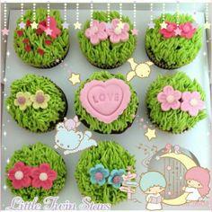 女の子心をくすぐるとってもかわいいカップケーキ♡  みんなもかわいくて甘〜いスイーツの写真をキキララちゃんのフレームでデコってかわいさUPさせよう♡   These cupcakes look so delicious and cute♡  Decorate pictures with the cute Little Twin Stars frame and stamps to make it even cuter♡   Photo taken by NunoumLoveKingonKawaii★Cam    Join Kawaii★Cam now :)   For iOS:  https://itunes.apple.com/jp/app/kawaii-xie-zhen-jia-gonghakawaiikamu*./id529446620?mt=8   For Android :  https://play.google.com/store/apps/details?id=jp.co.aitia.whatifcamera   Follow me on…