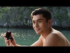 A behind-the-scenes look at how Crazy Rich Asians put together the proposal scene between Constance Wu and Henry Golding. Ken Jeong, Top Romantic Movies, Romance Movies, Constance Wu, Michelle Yeoh, Brad Simpson, Gemma Chan, New Trailers, Movie Trailers