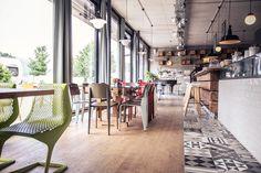 #Restaurant #Hias #Vitra #Prouve #Standard# Plank #Myto #Grcic #colourful #interiordesign #createidentity #area