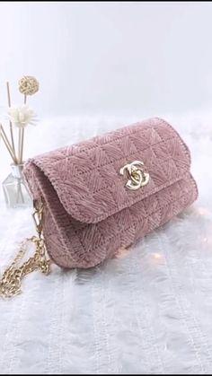 Diy Friendship Bracelets Patterns, Diy Bracelets Easy, Diy Handbag, Diy Purse, Leather Bag Tutorial, Crochet Bag Tutorials, Free Crochet Bag, Crochet Storage, Diy Bags Purses