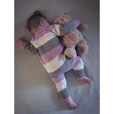 Ravelry: Lettvintdress pattern by Veslestrikk Baby Gown, Leg Warmers, Baby Knitting, Ravelry, Romper, Infant, Gloves, Instagram Posts, Pattern