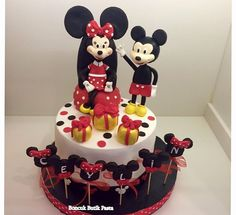 Mickey& Minnie cake