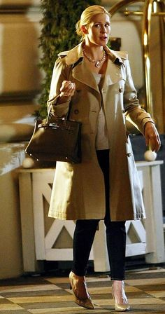 I love Kelly's style. Gossip Girl Outfits, Gossip Girl Fashion, Fashion Tv, Star Fashion, Womens Fashion, Gossip Girls, Kelly Rutherford Style, Hermes Birkin, Estilo Gossip Girl